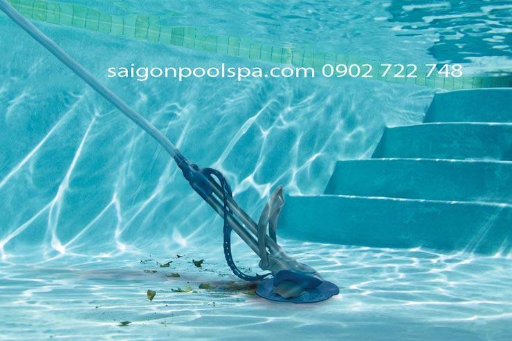 Thiết bị giác hút vệ sinh cặn đáy hồ bơi