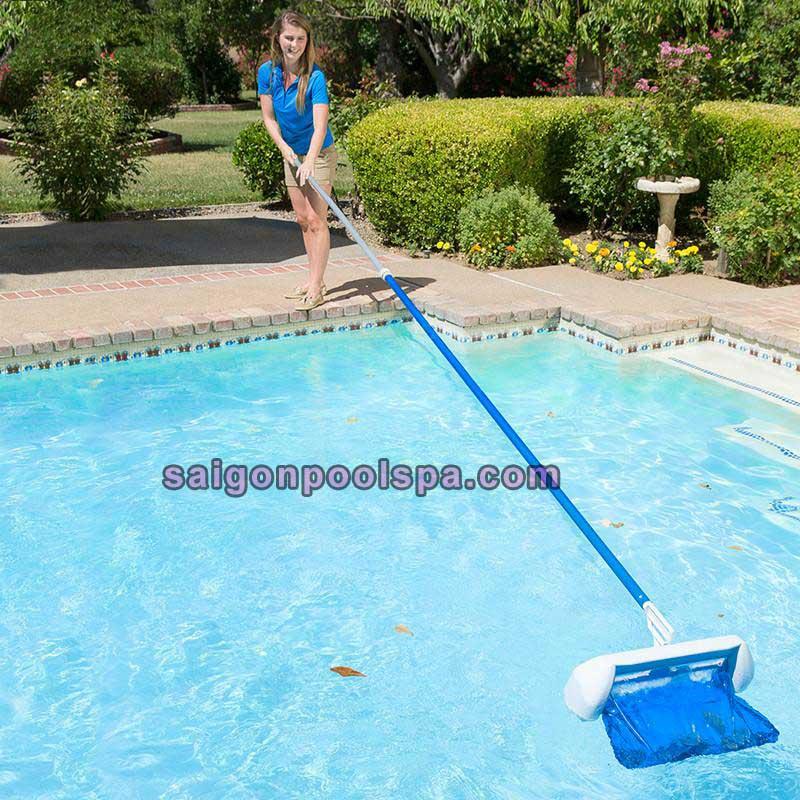 Cây nhôm vệ sinh sử dụng cho hồ bơi
