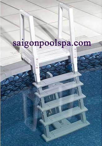 Cầu thang hồ bơi bể bơi đặc biệt
