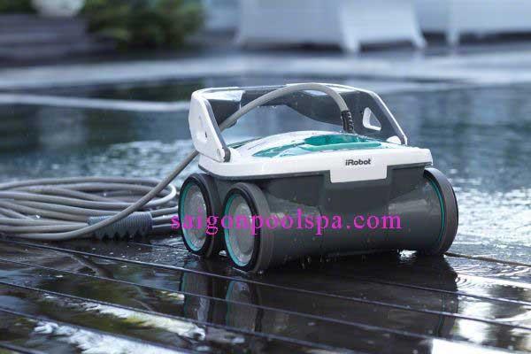Robot Marria 530 làm sạch bể bơi