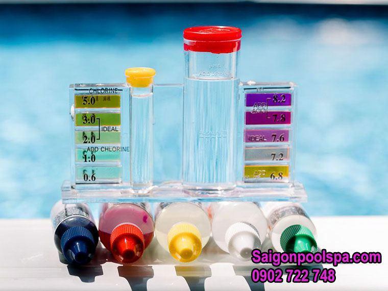 bộ test kit nước bể bơi cùng thuốc thử